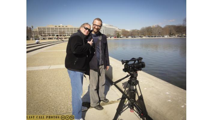 Il regista Enrico Cerasuolo con l'operatore video Duane Empey